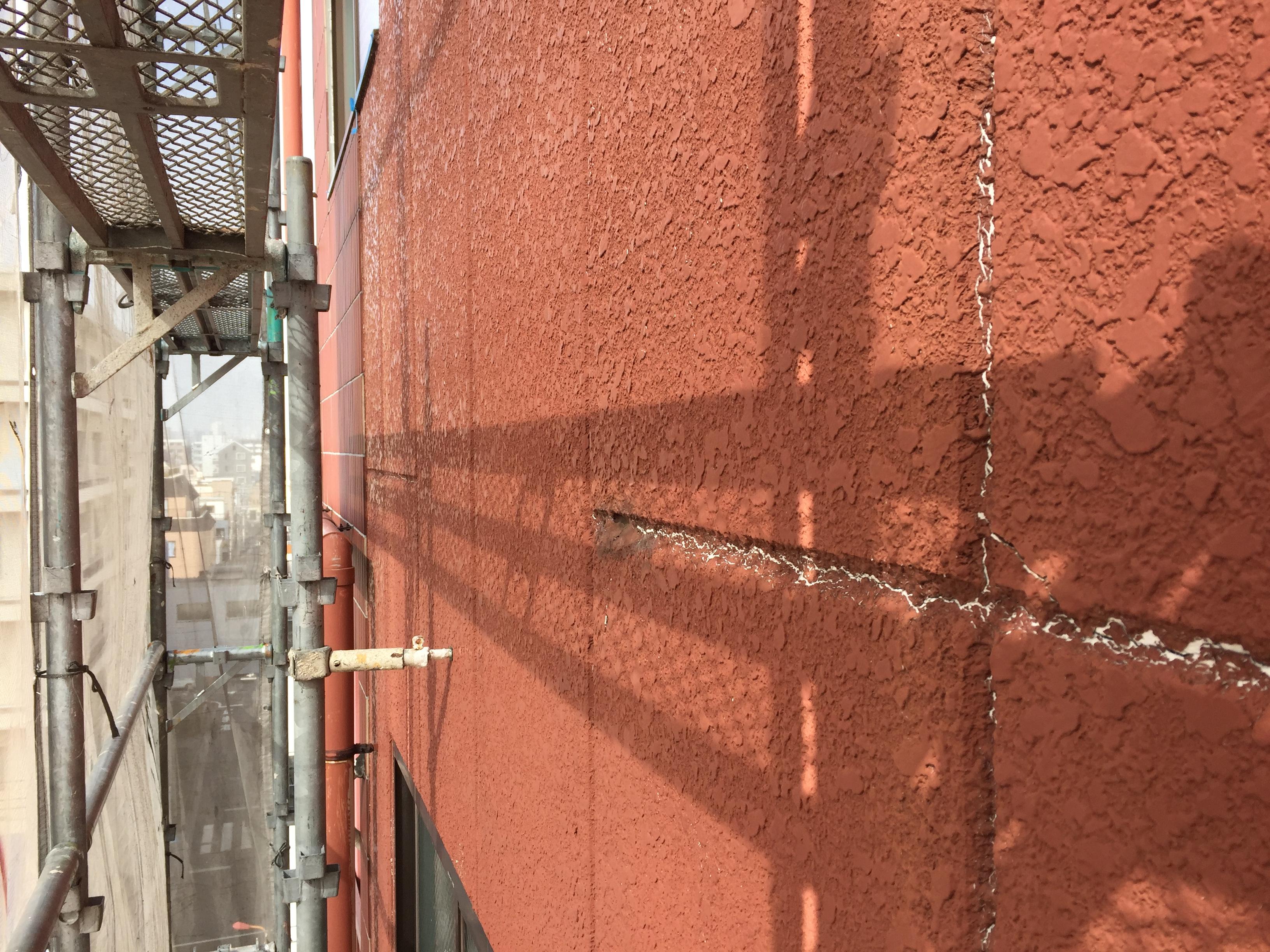 外壁塗装ひび割れ